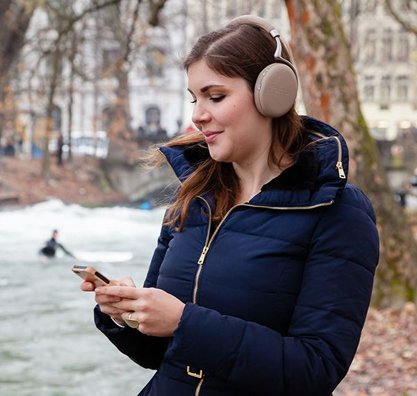 Amazon.com offers the Parrot Zik 2.0 Wireless Noise Cancelling Headphones for $195.00.