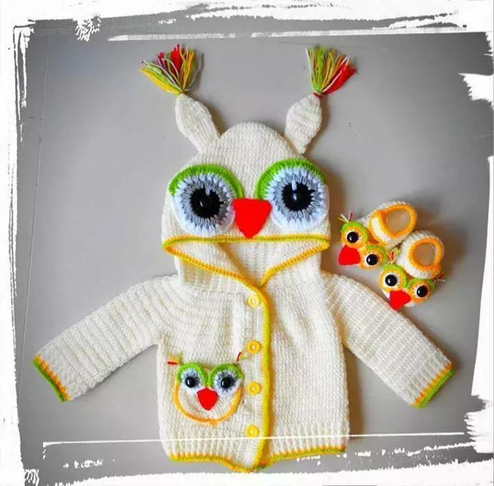 Gorgeous baby outfit with owls.