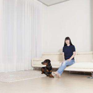 Überlange Vorhänge sind schwer zu finden – DIY und IKEA?http://www.fashionpaper.ch/story/ueberlange-vorhaenge-sind-schwer-zu-finden-diy-und-ikea/ #IKEA #Bernina #VZUG #Vorhänge #DIY #Dobermann #fashionpaper #ramonabonbizin #SwissBlogger