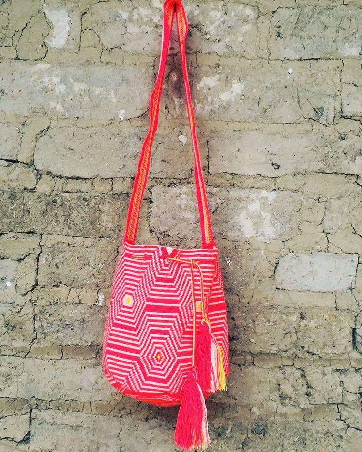 Unique one thread wayúu mochila bag!   www.wayaarte.com