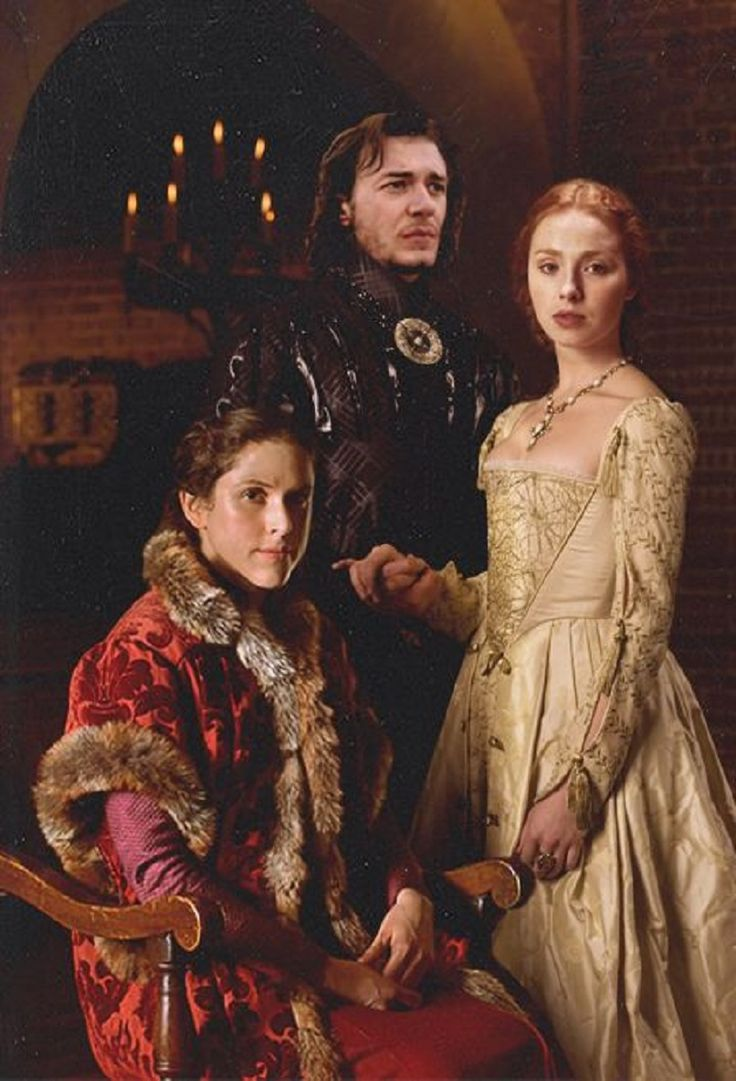Clothing medieval - the white Queen (Movie) - Margaret Beaufort her Son Heinrich Tudor and his Wife Elisabeth of York