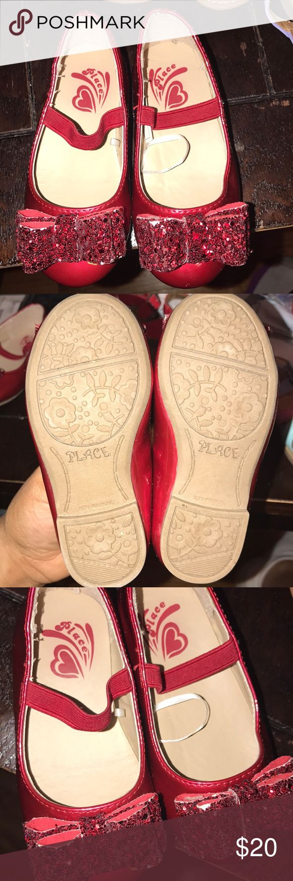 Dorothy Red Shoes toddler girl Children's place patent Leather with glitter bow size 6c toddler good condition flaw sequin chips on bow not very noticeable worn twice Children's Place Shoes Baby & Walker
