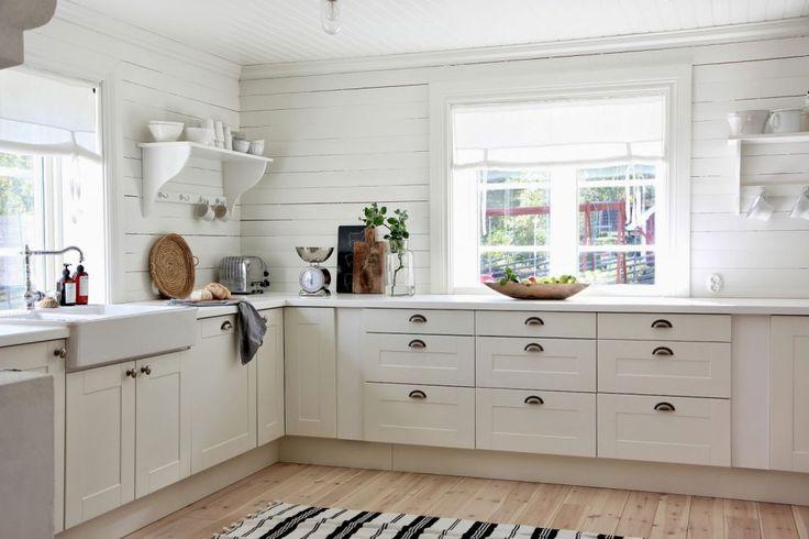 przestronna kuchnia w stylu skandynawskim