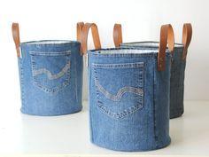 canasta mediana hecha de viejos jeans cesta de lavadero