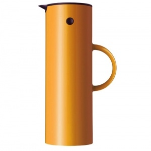 Stelton Vacuum Jug 1L Saffron Yellow - classic vacuum jug with the unique rocker stopper was introduced in 1977 and was awarded the ID-prize by the Danish Society of Industrial Design in 1977. Inspiración en Diseño Industrial - Diseños Industriales de Alto Impacto Publicado en Blog Diseño Industrial http://www.dweb3d.com/blog/diseno-industrial/inspiracion-en-diseno-industrial-disenos-industriales-de-alto-impacto.html #industrialDesign