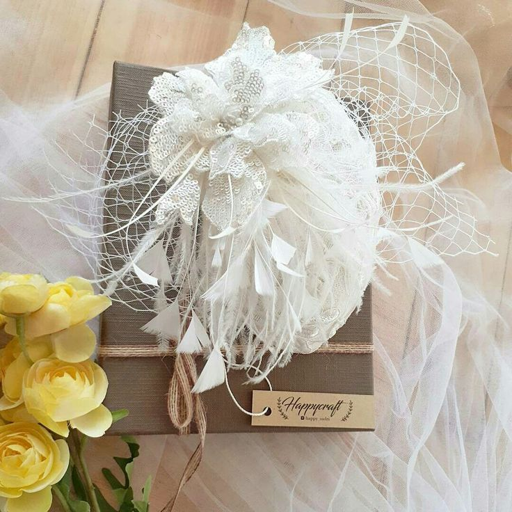 Bridal fascinator hat