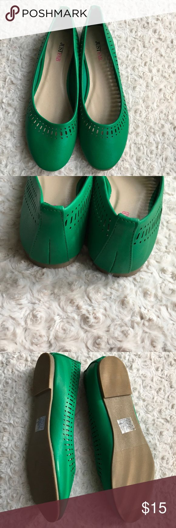 JustFab green flats Ready to Ship! BRAND NEW JustFab flats in an oh so cute green color. Can be worn now with leggings and sweaters or jeans and blazers. Can wear this style into spring and summer. JustFab Shoes Flats & Loafers