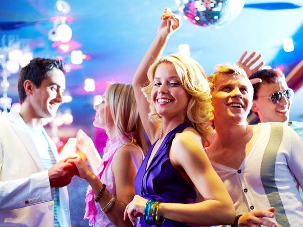 Friday Night Club Crawl through Supperclub LA, Playhouse Hollywood and The Attic LA nightclub. CX3 Hollywood club crawls include 3-4 clubs, Free Drinks...