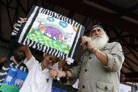 Kingsley Holgate promotes Rhino Art Project at Uplands College - Nelspruit