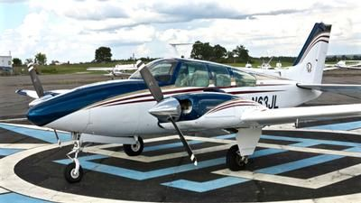 1971 Beechcraft Baron E55 for sale in (KLHZ) Louisburg, NC USA => http://www.airplanemart.com/aircraft-for-sale/Multi-Engine-Piston/1971-Beechcraft-Baron-E55/11334/