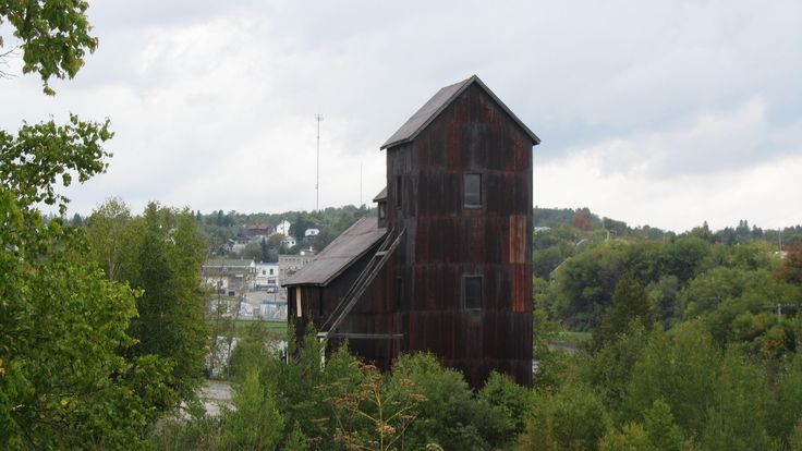 View of the Right-of-Way Mine from the bridge, with the town in the background.