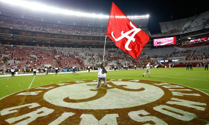 Video: Alabama scores punt return TD for early lead