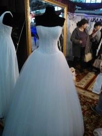 Targul de nunta Ghid Mariaj 2013 Iasi - Rochii de mireasa 13