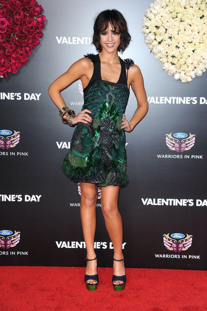 "Jessica Alba Photos - Premiere Of New Line Cinema's ""Valentine's Day"" - Arrivals - Zimbio"
