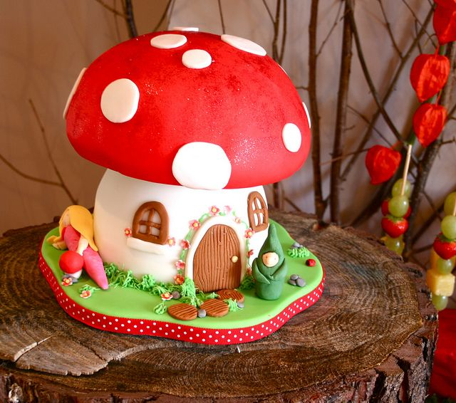 Woodland Dessert Table - fairy toadstool cake