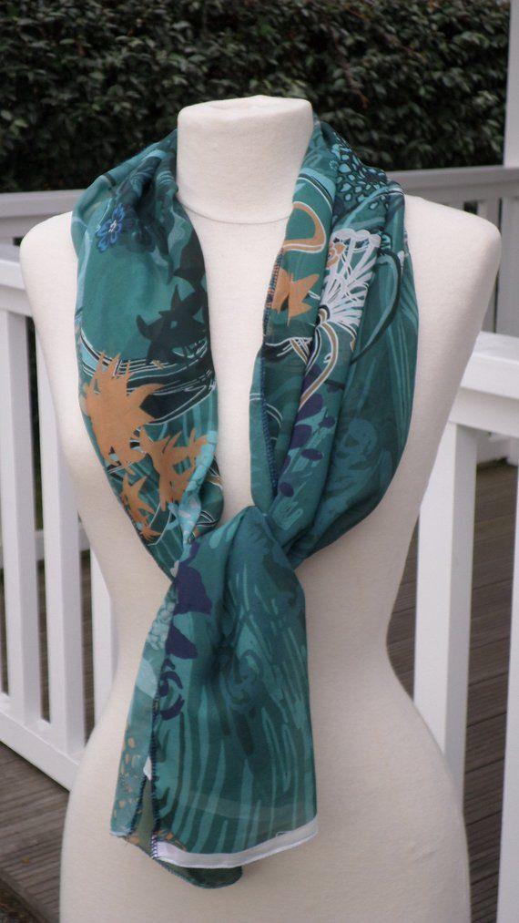 Foulard écharpe étole pour femme imprimé fleurs de coloris vert,ocre ... 89080d9769b