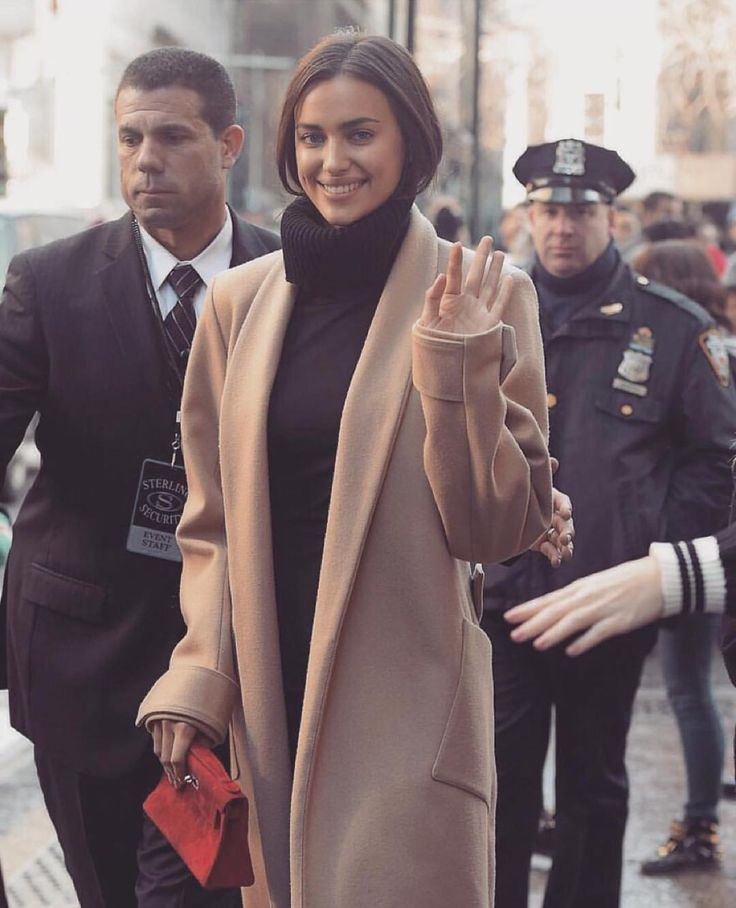 NEW STUNNING INSPIRATION - Irina Shayk via @fashionfrique #howtochic #ootd #outfit