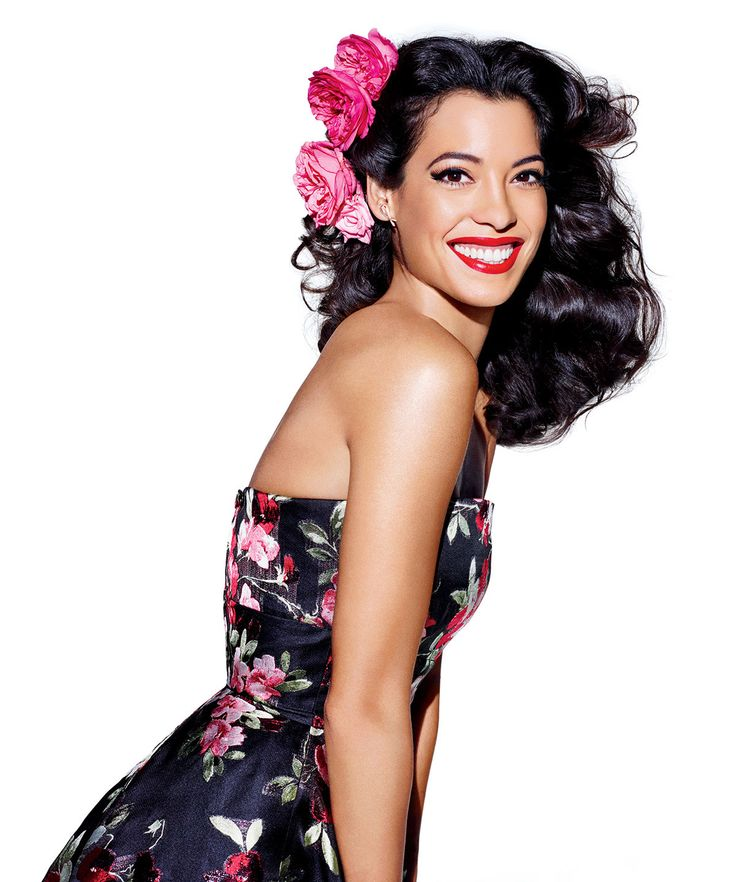 Stephanie Sigman talks growing up, baseball, and her roles in Narcos and Spectre.