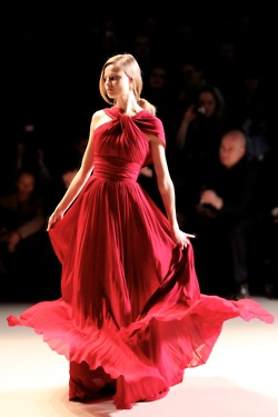 ooh my™Delectable Dresses, Woman Fashion, Elie Saab, Ruby Red, Red Rouge, Heavens Above, Engineering Red, Runway Ready, Red Hot