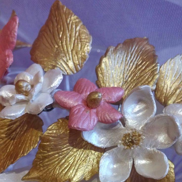 Gran variedad de flores de porcelana exclusivamente para ti!!