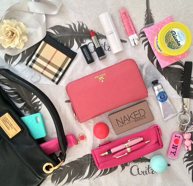 Whats in my bag #HelloWAY #WAYskincare
