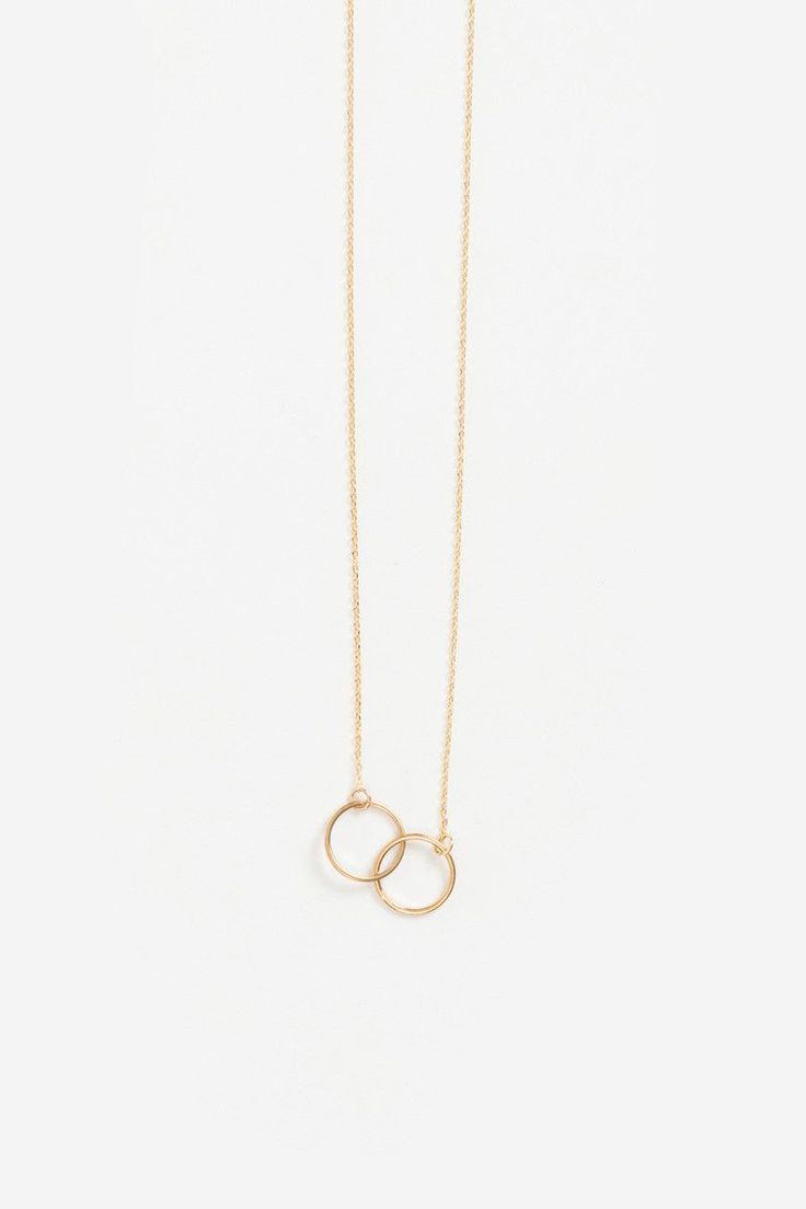 Best 25+ Dainty necklace ideas on Pinterest   Simple jewelry ...