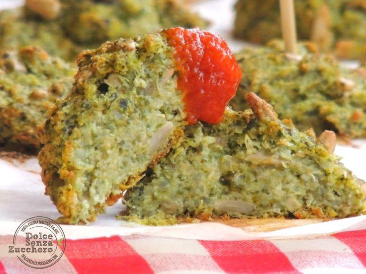 Polpette di quinoa è una ricetta a basso indice glicemico, senza glutine, senza graminacee e senza latticini, ad alto contenuto proteico e fibre