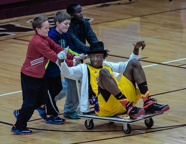 The Harlem Wizards provided a near-capacity crowd at Canal Winchester High School with a little taste of March Madness last week as they helped raise money for local education initiatives.