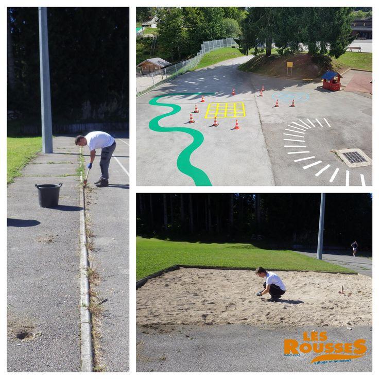 Le service technique des Rousses prépare la rentrée en nettoyant le gymnase et en redonnant un coup de peinture aux dessins de la cour d'école.
