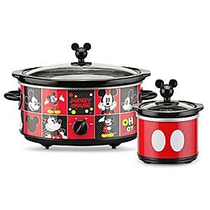Mickey takes his own good time to make kitchen magic with this five quart Slow Cooker and 20 ounce dipper for all your favorite crockery cooking recipes.