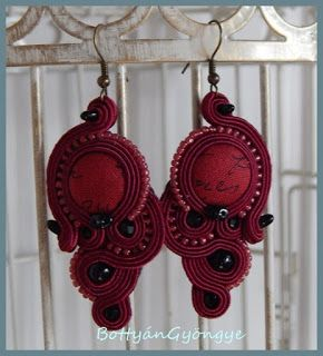 Bordó aszimmetrikus sujtás fülbevaló - tekert - Bordeaux soutache asymmetrical earrings - wrapped