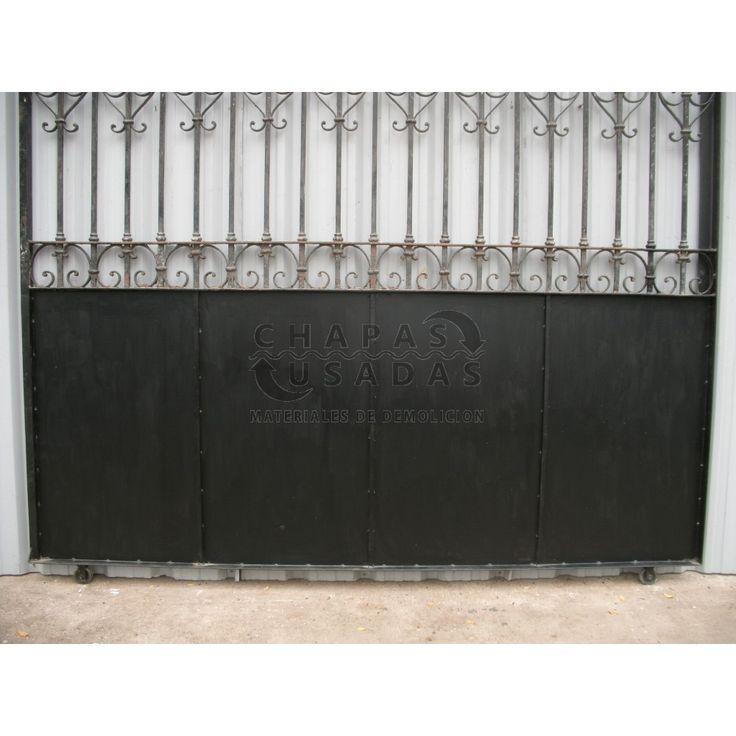 Antiguo port n de garaje corredizo de hierro forjado for Modelos de portones de hierro fotos