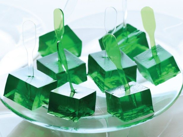4 Ingredient Margarita Jell-O Shots - Perfect for your St. Patty's Day celebration. Cheers!
