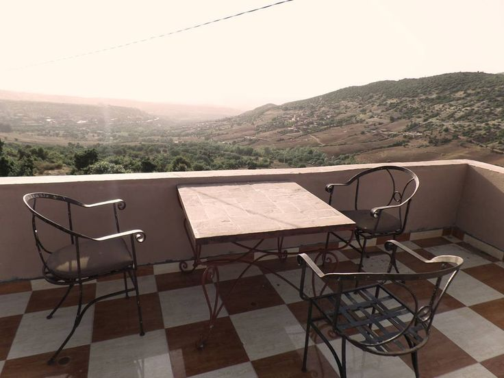 It's decided...here we'll have our breakfast...if we will be able to take our eyes from the view.  www.morocco-objectif.com https://www.youtube.com/watch?v=L5YLOQeiIeM #moroccoobjectif #moroccooffroad #atlasmountains #tizintichka #welovenature #nature #mountains #trekking #adventure #morocco #berber #nomad #maroc #marocco #marroc #marrocos #marruecos #marokko #maroko #marrakechdaytrip  Day trips from Marrakech Marrakech excursions Morocco Desert Tours Marrakech desert Trips
