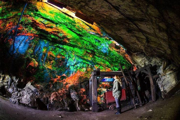Музей Стерлинг-Хилл Майнинг (Sterling Hill Mining Museum) в Нью-Джерси, США, известен своим разнообразием захватывающих и образовательных ...