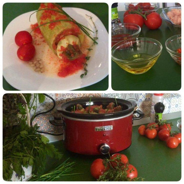 Dovlecei umpluți cu carne tocată de pui, legume și cușcuș, gătiți în voie de Crock-Pot.