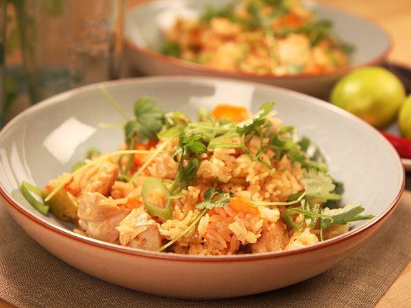 Sötsur chilikyckling med stekt ris | Recept.nu