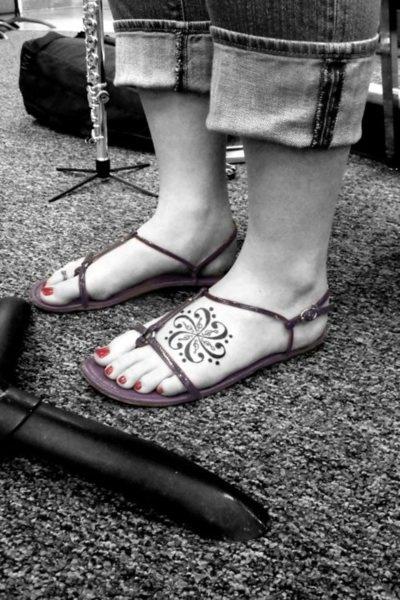 pretty foot tat: Piercings Tattoo'S, Henna Patterns, Tattoo'S Idea, Henna Tatoo, Tattoo'S Design, Flower Tattoo'S, Nice Tattoo'S, Foot Tattoo'S, Feet Tattoo'S