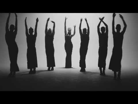 Jenni Vartiainen - Suru on kunniavieras (Virallinen musiikkivideo) - YouTube