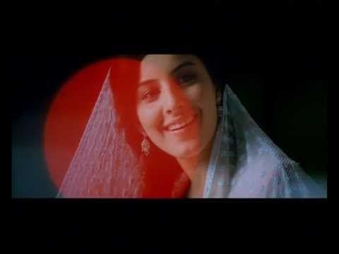 Muthuchippi - Thattathin Marayathu Song - Full Quality - 2012