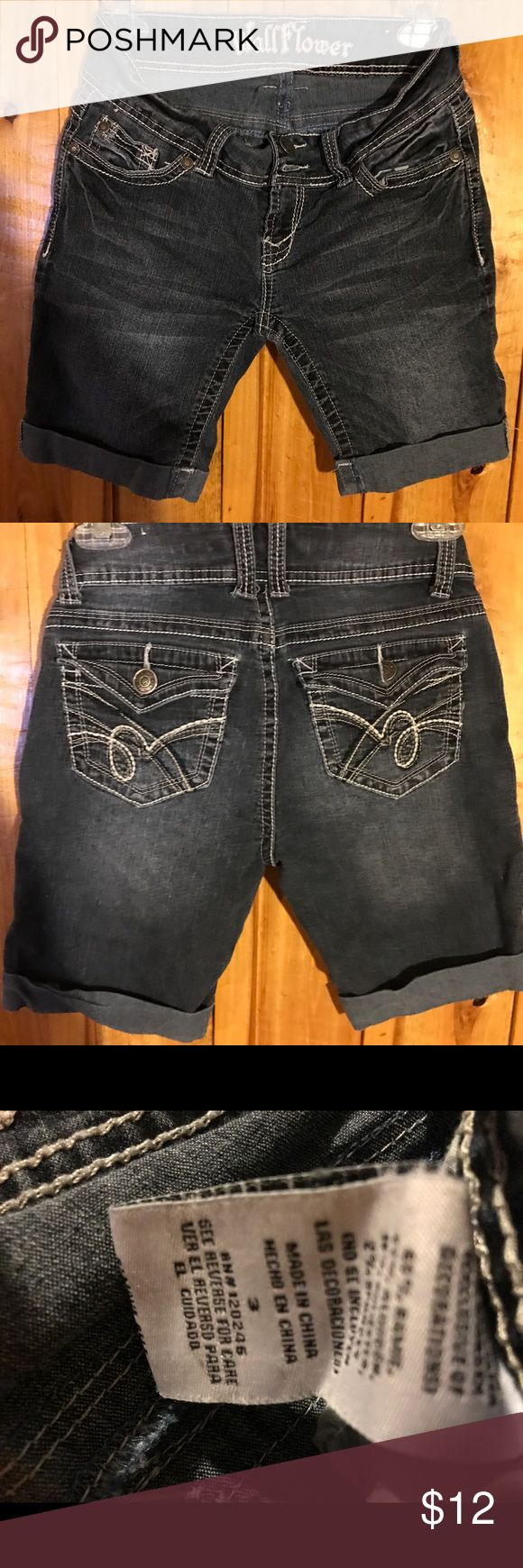 Wallflower jean shorts size 3 Wallflower jean shorts size 3 Wallflower Shorts Jean Shorts