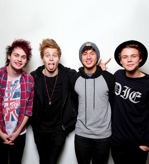 IS CALUM HOOD LEAVING 5 SECONDS OF SUMMER !? | 5SoS News | BoyBands.