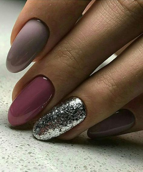 44 Overwhelming Nail Art Designs to Look Beautiful on Parties and Events