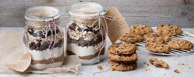 DIY layered cookie mix gitft jar for a delicious gift that keeps on giving!
