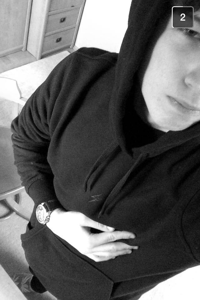 Mily.milek w #noir_hoodie ⚡️ zadowalający snap!