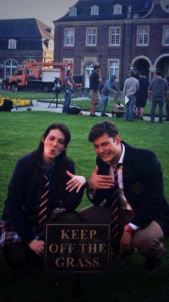 Gwendolyn (Maria Ehrich) & Raphael (Lion Wasczyk) | Behind the scenes