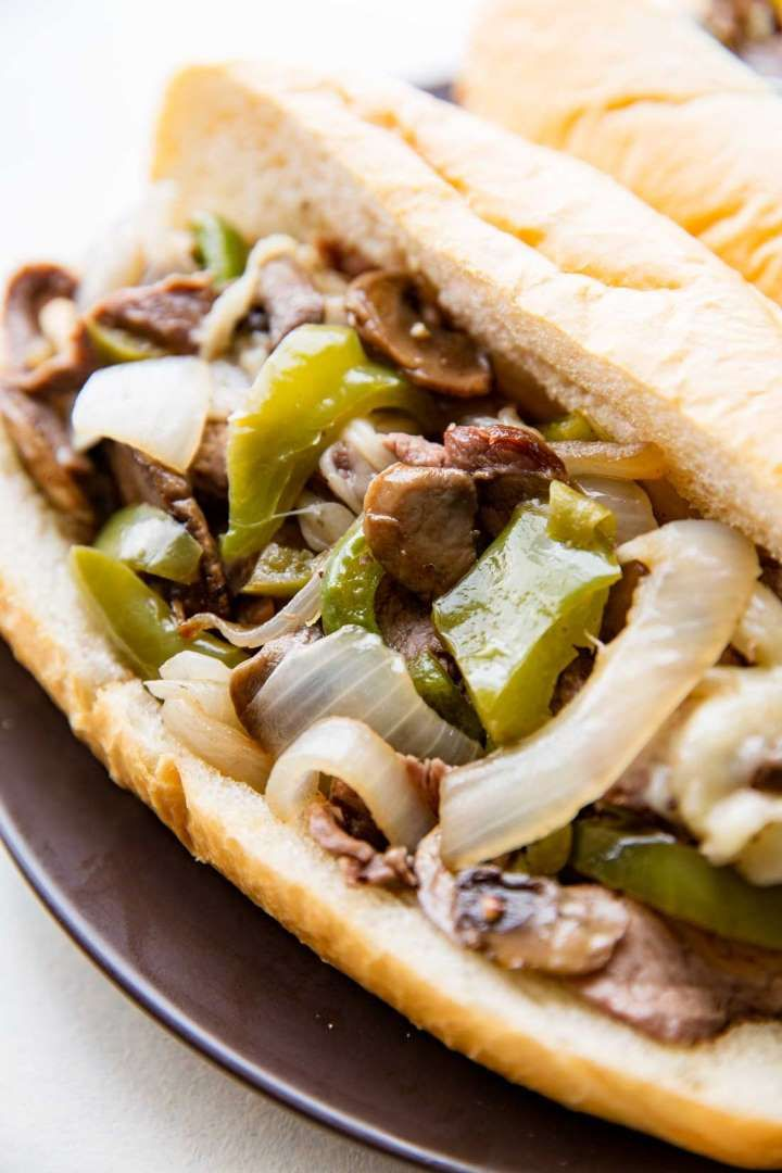 Philly cheesesteak is already a pretty easy meal to make on its own. But you can take your lazy cook... - Eazy Peazy Mealz
