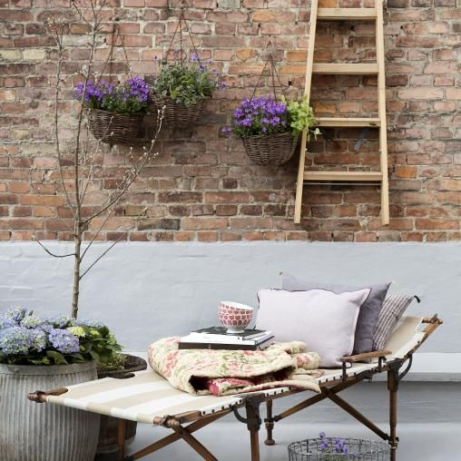 Rustikk terrasse, Stige, planter, solseng