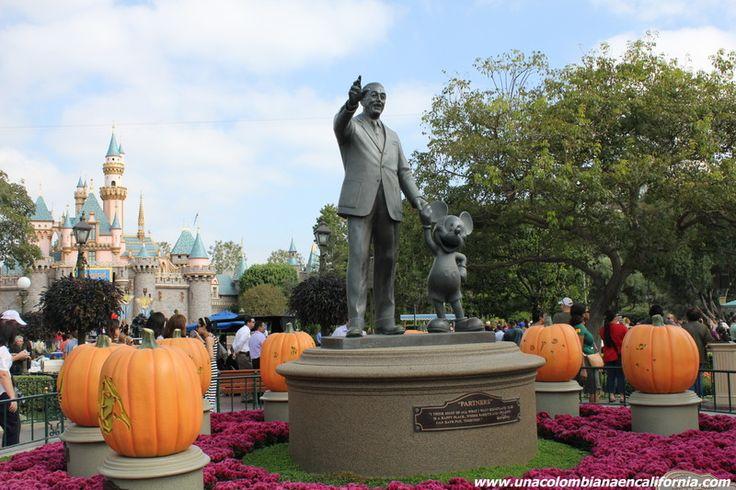 Halloween @ Disneyland #HalloweenTime