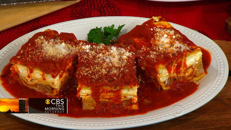 Chef Sal Scognamillo has been manning the kitchen at the famed Patsy's Italian restaurant for 28 years. He shares the recipe for Frank Sinatra's favorite lasagna, and Patsy's baked clams